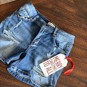 🎄Indigo Rein Short Distressed Jean Shorts